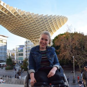 Manon op Metropol Parasol in Sevilla.