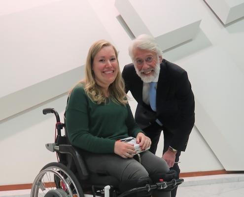 Manon met neuropsycholoog Erik Scherder tijdens publiekslezing Het Fitte Brein
