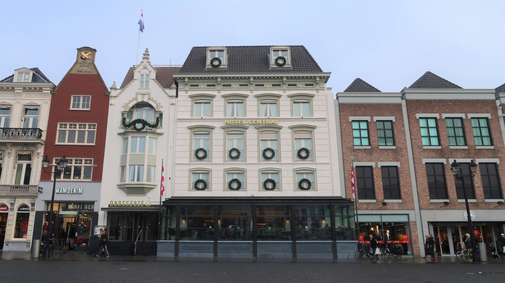 Gevel van Hotel Central in Den Bosch.